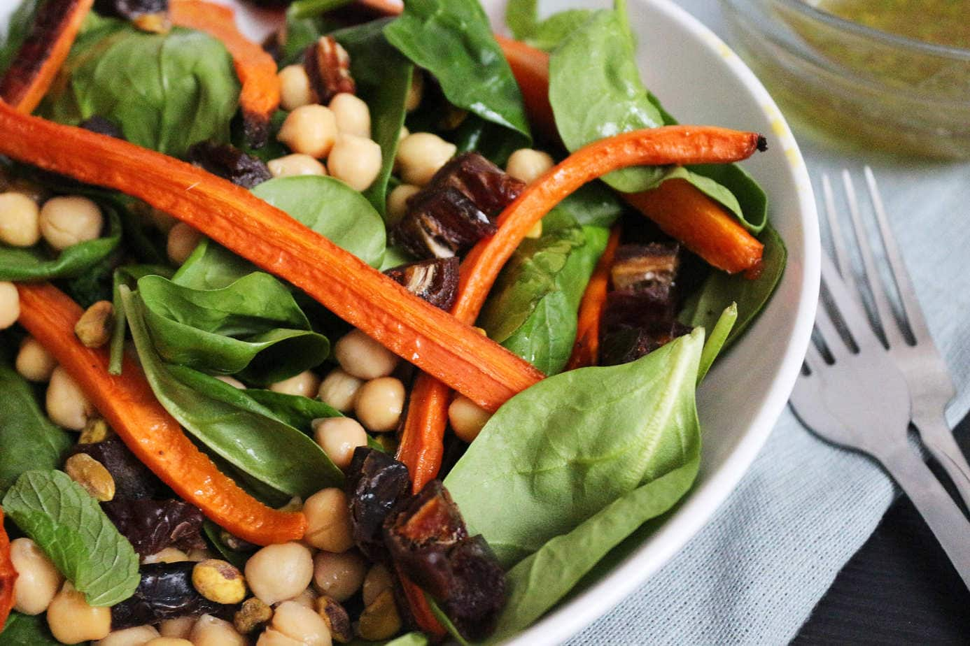 Roasted Carrot Chickpea Salad | The Nourished Mind