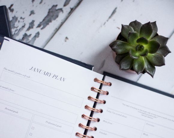 How To Set Intentions + Goals For The New Year (and actually stick with it!)